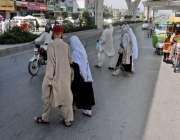 راولپنڈی: بی بی ایچ ہسپتال کے باہر پیدل چلنے والوں کے لیے پل نہ ہونے ..