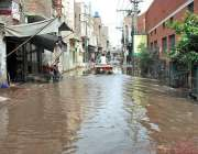 ملتان: منظور آباد کے علاقے میں سیوریج کا پانی انتطامیہ کی توجہ کا منتظر ..