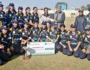 راولپنڈی: پہلی کے پی ویمن ٹی ٹونٹی سپر لیگ کی رنر اپ ٹیم کا پشاور سے ..