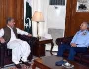 اسلام آباد: وزیر خارجہ شاہ محمود قریشی سے چیف آف ایئر سٹاف ایئر چیف ..