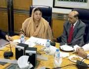 لاہور: وزیر صحت پنجاب ڈاکٹر یاسمین راشدکالج آف فزیشنز اینڈ سرجنز میں ..