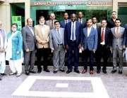 لاہور: لاہور چیمبر کے قائمقام صدر خواجہ شہزاد ناصر، نائب صدر فہیم الرحمن ..