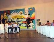 ملتان: مختلف سکولوں کے بچے آرٹس کونسل میں جاری سپیلنگ مقابلوں میں شریک ..
