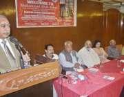 لاہور: پاکستان لیبر فیڈریشن کے زیر اہتمام پاکستان ریلوے کے سی ای او ..