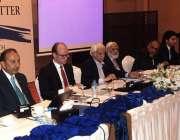 اسلام آباد: سینیٹر ڈاکٹر مصدق ملک ایک سیمینار سے خطاب کر رہے ہیں۔