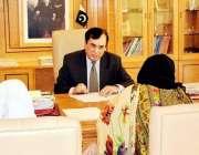 اسلام آباد: چیئرمین نیب جسٹس (ر) جاوید اقبال شہریوں کی شکایات سن رہے ..