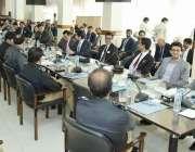 کراچی: آئی جی سندھ ڈاکٹر کلیم امام سینٹر پولیس آفس کراچی میں41ویں سپیشلائزڈ ..