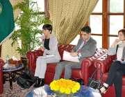 پشاور: گورنر خیبر پختونخوا شاہ فرمان سے DFIDکی ہیڈ جونا ریڈ ملاقات کررہی ..