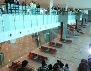 اسلام آباد: میڈیا کے نمائندے نئے تعمیر ہونیوالے اسلام آباد انٹر نیشنل ..