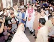 لاہور:مسلم لیگ (ن) کے حلقہ این اے124سے امیدوار و سابق وزیر اعظم شاہد خاقان ..