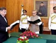 اسلام آباد: صدر مملکت ڈاکٹر عارف علوی چیئرمین پبلک سروس کمیشن حسیب ..