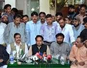 فیصل آباد: صوبائی وزیر برائے ایکسائز اینڈ ٹیکسیشن حافظ ممتاز احمد پریس ..