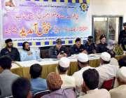 پشاور: ایس ایس پی ٹریفک یاسر آفریدی کمرشل گاڑیوں بارے آگاہی سیمینار ..