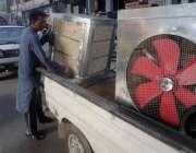 اسلام آباد: گرمی کی شدت میں اضافے کے ساتھ ہی شہری آبپارہ مارکیٹ سے لاہوری ..