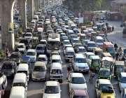 راولپنڈی: مری روڈ پر بد ترین ٹریفک جام کا منظر۔