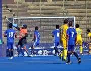 لاہور: ہائر ہاکی سیریز کے مقابلوں کے دوران کازکستان اور نیپال کی ٹیموں ..