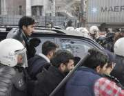 لاہور: مسلم لیگ (ن) کے رہنماؤں خواجہ سعد رفیق اور سلمان رفیق کو سخت سیکیورٹی ..