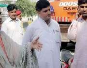 پشاور: اسسٹنٹ کمشنر کوہاٹ گل بانو ہنگو روڈ پرتجاوزات کیخلاف جاری آپریشن ..