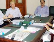 لاہور: صوبائی وزیر ایکسائز اینڈ ٹیکسیشن و نارکوٹکس حافظ ممتاز احمد ..