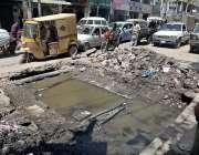 راولپنڈی: سڑک کے درمیان سیوریج کا پانی متعلقہ حکام کی توجہ کا منتظر ..
