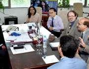 اسلام آباد: وفاقی وزیر برائے سائنس اینڈ ٹیکنالوجی رانا تنویر حسین سے ..