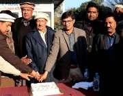 اسلام آباد: F-6حاضری کے موقع پر سی ڈی اے مزدور یونین کے قائد چوہدری محمد ..