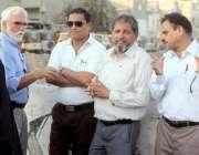 کراچی: چیئرمین بلدیہ وسطیٰ ریحان ہاشمی ورلڈ بینک کے چار رکنی وفد کے ..