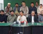 حیدر آباد: پاکستان تحریک انصاف سندھ کے رہنما حلیم عادل شیخ و دیگر حیدر ..