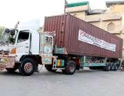 لاہور: تحریک لبیک کے زیر اہتمام داتا دربار کے باہر دھرنے کے باعث کنٹینر ..