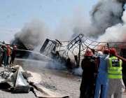 اسلام آباد: وفاقی دارالحکومت میں ریسکیو اہلکار ہفتہ وار بازار میں لگی ..