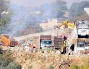 راولپنڈی: ویسٹ مینجمنٹ کمپنی کی نااہلی، کچرے کو آگ لگائی گئی ہے جس کے ..