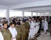 اٹک: ڈی پی او اکاؤنٹ آفس کے کلرک وقار احمد کا نماز جنازہ انکے آبائی گاؤں ..