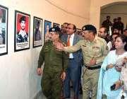 فیصل آباد: یوم دفاع پاکستان کے موقع پر بریگیڈیئر عمر فاروق ، ڈویژنل ..