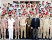 لاہور: پنجاب سیف سٹیز اتھارٹی کے تعلیمی دورہ کے موقع پر ملٹری پولیس ..
