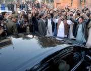 راولپنڈی: نان بائی ایسوسی ایشن کے کارکنان نے وزیر اعظم کے معاون خصوصی ..