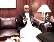 اسلام آباد: اراکین قومی اسمبلی سردار ایاز صادق اور سید خورشید شاہ ڈپٹی ..