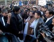 راولپنڈی: نان بائی ایسوسی ایشن کے کارکنان وزیر اعظم کے معاون خصوصی ..