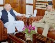 لاہور: گورنر پنجاب چوہدری محمد سرور سے کور کمانڈر لاہور لیفٹیننٹ جنرل ..