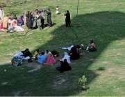 لاہور: شہری گریٹ اقبال پارک میں سرو تفریح کے لے آئے ہوئے ہیں۔
