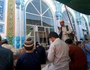 راولپنڈی: ماہ رمضان کے دوسرے جمعتہ المبارک کے کے موقع پر نمازیوں پر ..