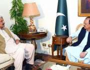 اسلام آباد: صدر مملکت ممنون حسین سے وزیر مملکت لیفٹیننٹ جنرل (ر) عبدالقادر ..