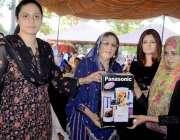 اٹک: ایس ایس پی اٹک عمارہ شیرازی جناح پارک میں پولیس فیملی گالا پروگرام ..
