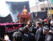 حیدر آباد: نویں محرم الحرام کا مرکزی جلوس اپنے مقررہ راستوں سے گزر رہا ..