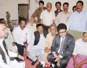 لاہور: صوبائی وزیر خلیل طاہر سندھو سیالکوٹ میں تیزاب پھینکنے سے ہلاک ..