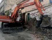 راولپنڈی: اڈیالہ پر تجاوزات آپریشن کے دوران تجاوزات گرائی جار ہی ہیں۔