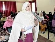 ہری پور: اے سی ہری پور کی جانب سے لگائی گئی کھلی کچہری میں ایک خاتون ..