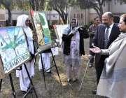اسلام آباد: پروفیسر ڈاکٹر فاروق ڈار پرنسپل کے ہمراہ قائد اعظم ڈے کے ..