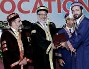 اسلام آباد: شفا تعمیر ملت یونیوسٹی کے کانووکیشن میں چیئرمین ایچ ایس ..