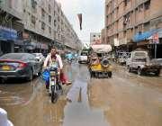 حیدر آباد: سیوریج کا پانی متعلقہ ادارے کی توجہ کا منتظر ہے۔