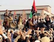 پشاور: پیپلز پارٹی کے زیر اہتمام پولیس گردی اور صوبائی حکومت کے خلاف ..
